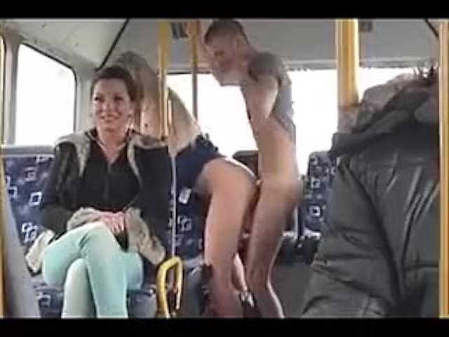 jebao me je u autobusu