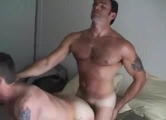 gej seks prst u guzi