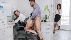 koleginica ih uhvatila u sexu