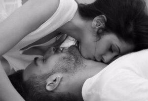 poljupci u vrat