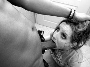 žestoko jebanje u usta sinove devojke