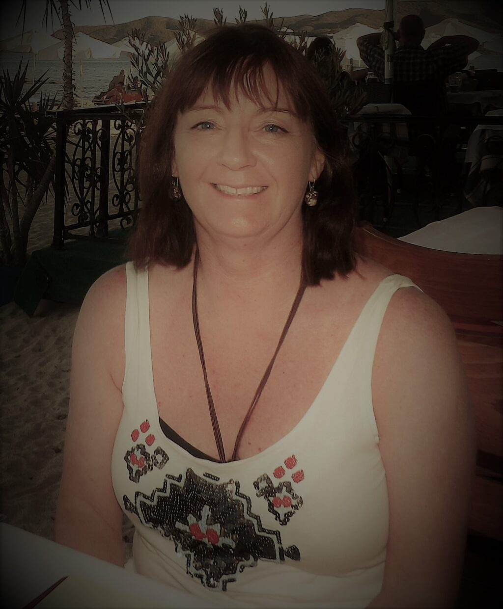 Nasmejana ženica, vedra komšinica