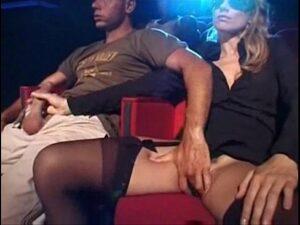 seks u bioskopu
